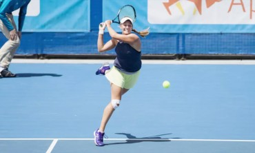 Zoe Hives conquers brutal week to win Canberra International
